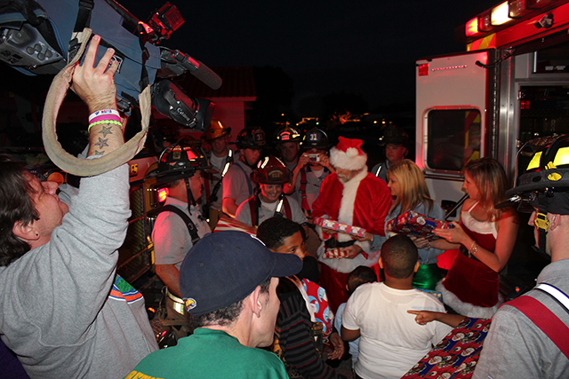 Santa Visits those in need